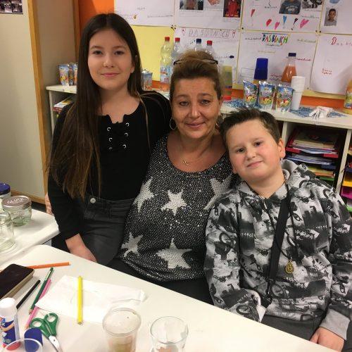 In der 5b helfen die Eltern und Geschwister tatkräftig mit