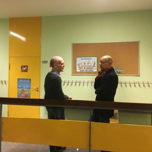 Die beiden Herren im angeregten Gespräch: Herr Bertram und unser Schulleiter Herr Zahn