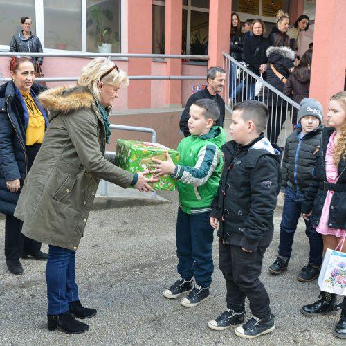 Weihnachtspäckchenaktion 2018 - Geschenkausgabe - Bosnien-Herzegowina
